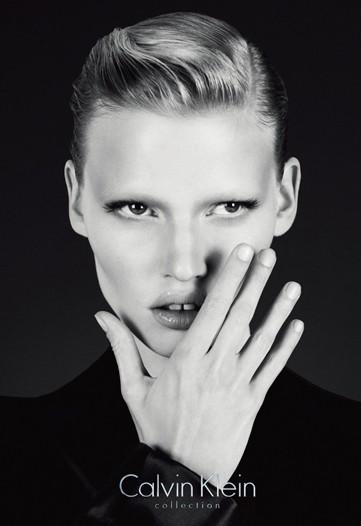 Calvin Klein Collection F/W 2010:Lara Stone