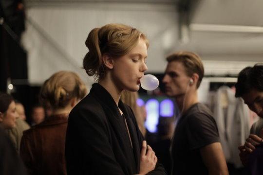 Tommy Hilfiger S/S 2011 Backstage : Frida Gustavsson