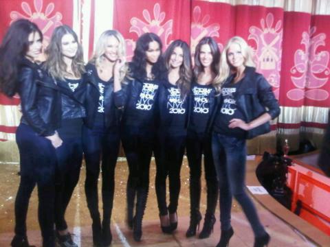 Adriana Lima,Behati Prinsloo,Candice Swanepoel,Chanel Iman,Lily Alridge,Alessandra Ambrosio & Erin Heatherton