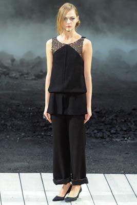 Chanel F/W 2011 - Sasha Pivovarova