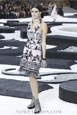 Chanel S/S 2011 : Isabeli Fontana