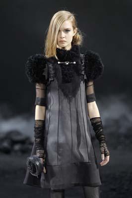 Chanel F/W 2011 - Josephine Skriver