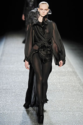 Nina Ricci F/W'09 - Niume Smit