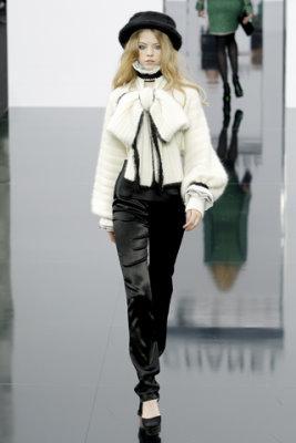 Chanel F/W'09 - Skye Stracke