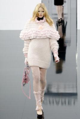 Chanel F/W'09 - Lara Stone
