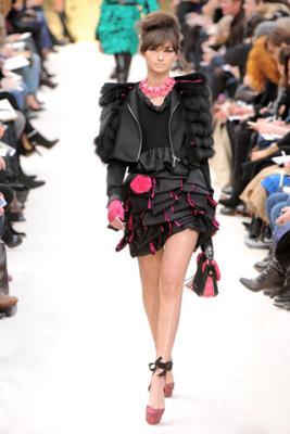 Louis Vuitton F/W'09 - Bruna Tenorio