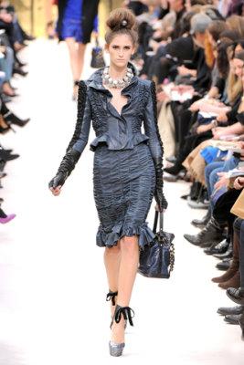 Louis Vuitton F/W'09 - Daiane conterato
