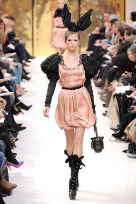 Louis Vuitton F/W'09 - Yulia Kharlaponova