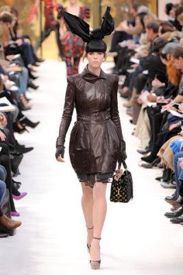 Louis Vuitton F/W'09 - Meghan Collison
