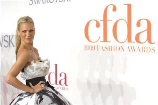2009 CFDA Award - Molly Sims