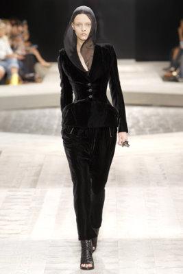 Givenchy Haute Couture F/W 09.10 - Stasya Izyumova