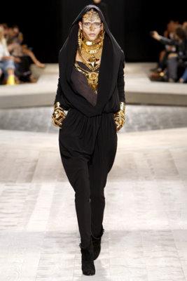 Givenchy Haute Couture F/W 09.10 - Leticia Alterbernd