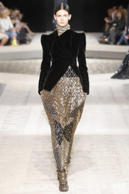 Givenchy Haute Couture F/W 09.10 - Kendra Spears