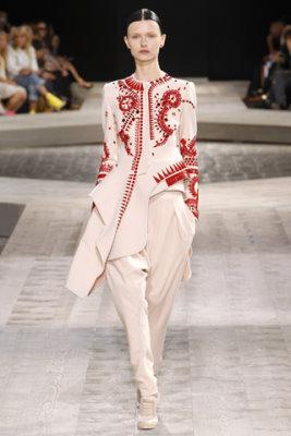Givenchy Haute Couture F/W 09.10 - Kamila Filpcikova