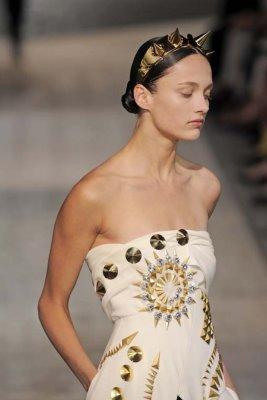Givenchy Haute Couture F/W 09.10 - Karmen Pedaru