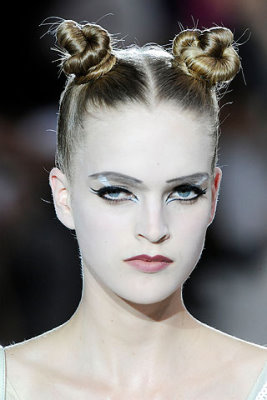 Marc Jacobs S/S 2010 - Mirte Maas