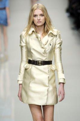 Burberry Prorsum S/S 2010 - Lily Donaldson