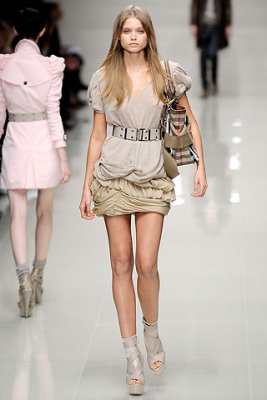 Burberry Prorsum S/S 2010 - Abbey Lee