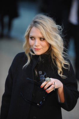 Burberry Prorsum S/S 2010 - Mary Kate Olsen