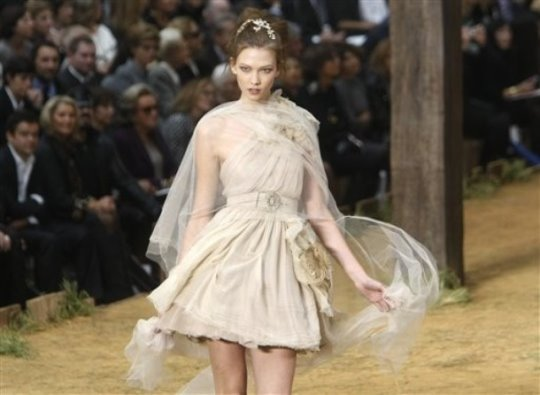 Chanel S/S 2010 - Karlie Kloss