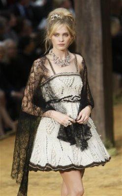 Chanel S/S 2010 - Heidi Mount