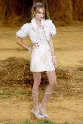 Chanel S/S 2010 - Lindsay Ellingson