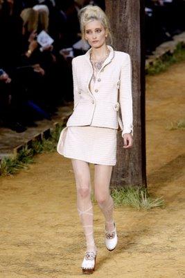 Chanel S/S 2010 - Iekeliene Stange