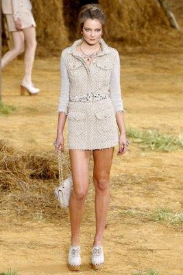Chanel S/S 2010 - Eniko Mihalik