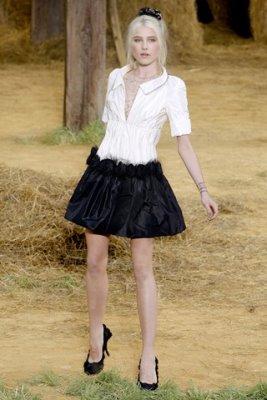 Chanel S/S 2010 - Dree Hemingway