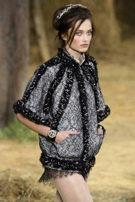 Chanel S/S 2010 - Karmen Pedaru