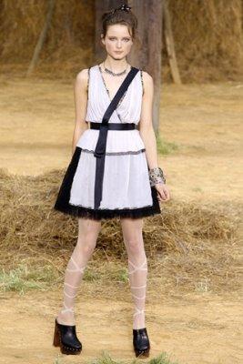 Chanel S/S 2010 - Anna de Rijk