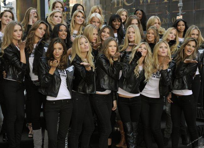 Victoria's Secret models in Times Square