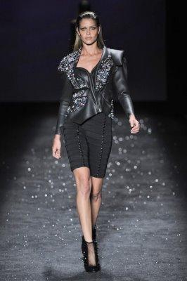 Espaço Fashion F/W 2010 - Ana Beatriz Barros