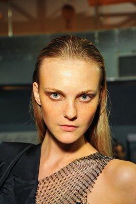 Espaço Fashion F/W 2010 - Caroline Trentini