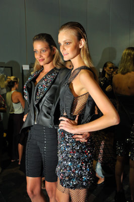 Espaço Fashion F/W 2010 - Caroline Trentini & Ana Beatriz Barros