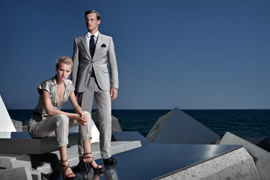 Hugo Boss Black S/S 2010 : Toni Garrn & Lars Burmeister
