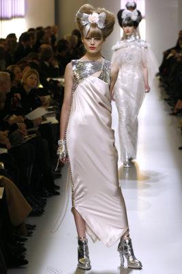 Chanel HC S/S 2010 - Hanne Gaby Odiele