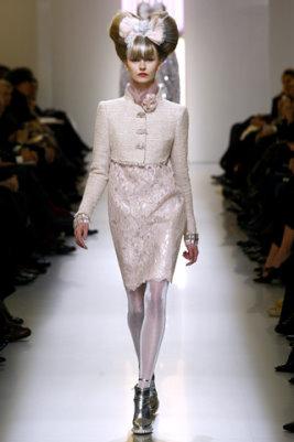 Chanel HC S/S 2010 - Kamila Filipcikova