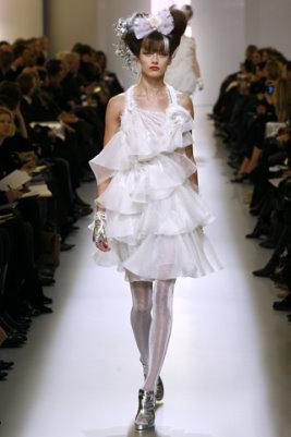 Chanel HC S/S 2010 - Karmen Pedaru