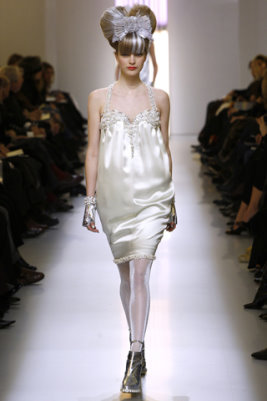 Chanel HC S/S 2010 - Mirte Maas
