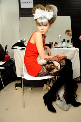 Chanel HC S/S 2010 - Abbey Lee