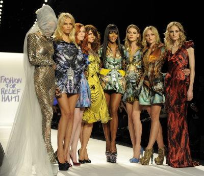 Fashion For Relief Haiti - Daphne Guinness, Natasha Poly, Helena Christensen, Naomi Campbell, Angela Lindvall, Sasha Pivovarova, and Heidi Mount