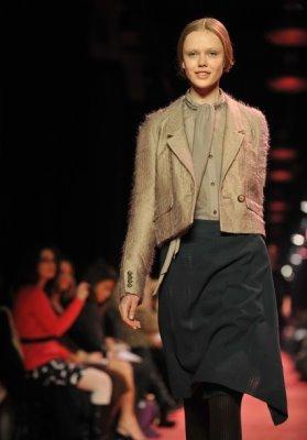 Jason Wu F/W 2010 - Frida Gustavsson