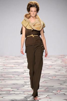 Giles F/W 2010 - Caroline Trentini