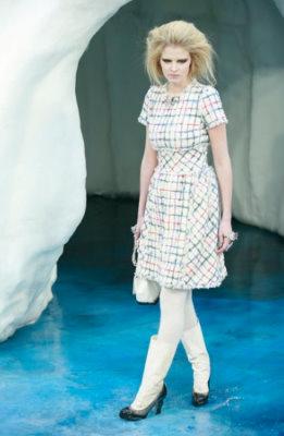 Chanel F/W 2010 - Lara Stone