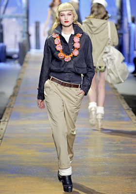 Christian Dior S/S 2011 : Toni Garrn