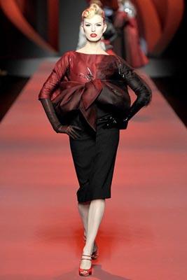 Christian Dior Haute Couture S/S 2011 - Karolina Kurkova