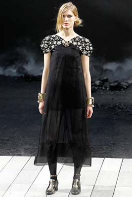 Chanel F/W 2011 - Iselin Steiro