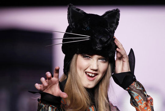 Anna Sui F/W 2011 - Lindsey Wixson
