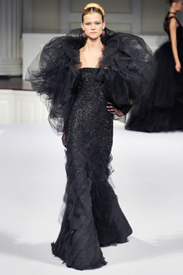 Oscar de la Renta S/S 2011 : Kasia Struss